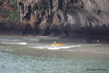 kayaking_Maya_Bay